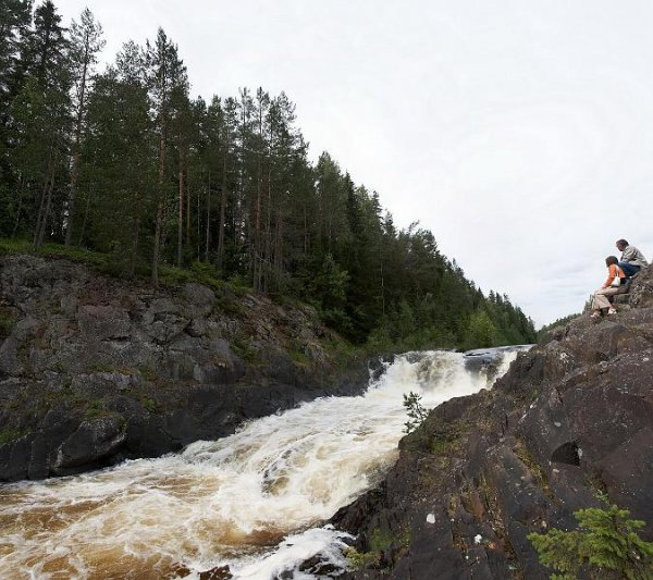Жемчужина Карелии - водопад Кивач