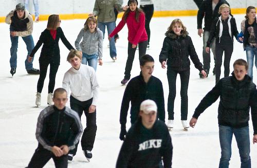 коньках в Ледовом дворце